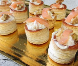 canapes de queso tierno salmon y nueces