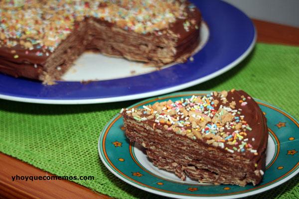 tarta-de-obleas-de-chocolate-y-cacahuetes,-con-sabor-a-huesitos-2