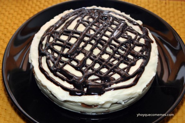 tarta-de-chocolate-blanco-y-galletas