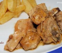 pollo al ajillo guisado
