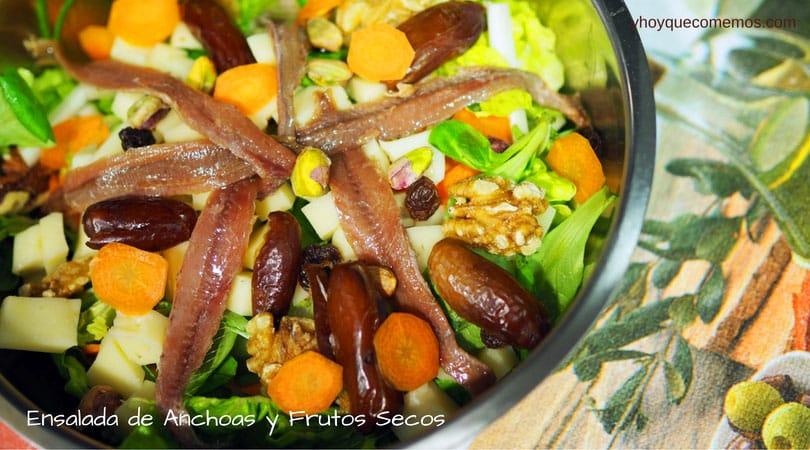 ensalada de anchoas y frutos secos