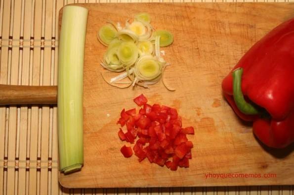 pimiento-rojo-picado-y-la-cebolla