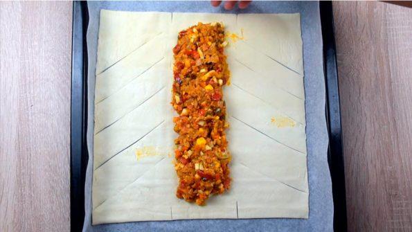 rellenar la trenza de hojaldre con atun y verduras
