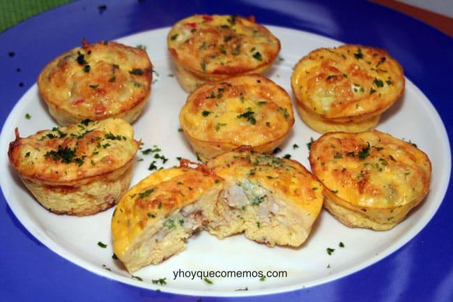 magdalenas o muffins de pizza con gambas