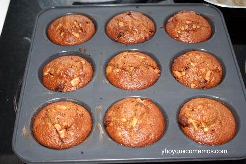 muffins-de-chocolate-recien-salidos-del-horno
