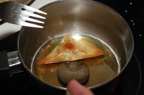 pasar-pastelidos-arabes-por-la-miel-y-semillas-de-sesamo