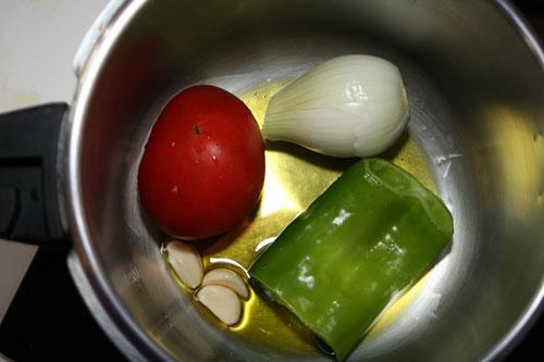 agregar-las-verduras-en-la-olla-rapida