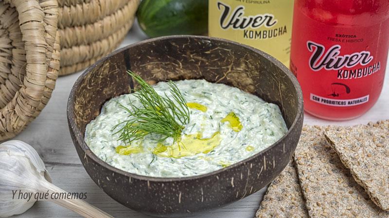 tzatziki o salsa de yogur griega con viver kombucha