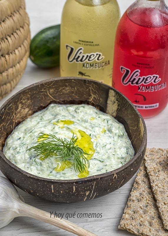 receta tzatziki o salsa de yogur griega con viver kombucha