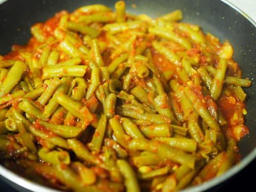 rehogar-las-judias-verdes-con-tomate