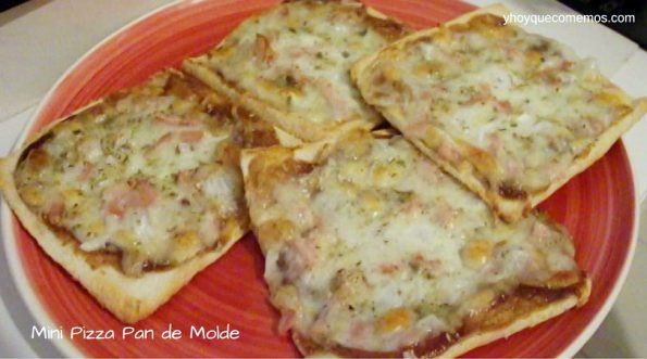 Mini-Pizza-de-Pan-de-Molde-con-bacon