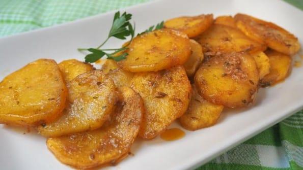 como se hacen las patatas adobillo o ajillo