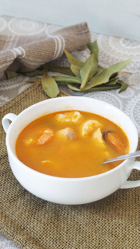como se hace la sopa de pescado a lo pobre