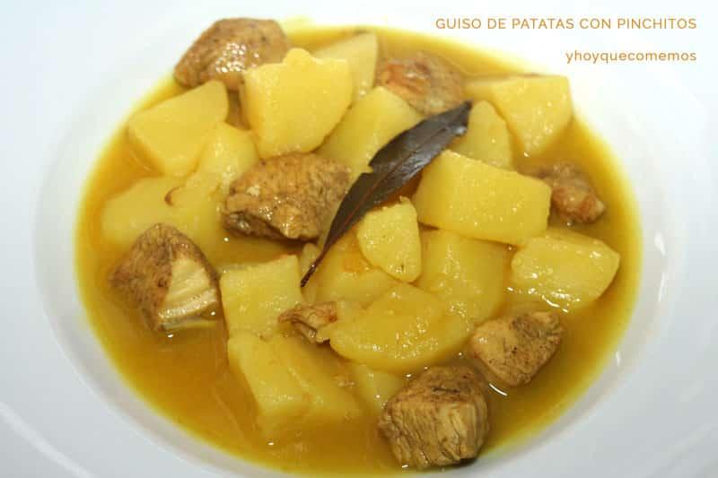 guiso de patatas con pinchitos