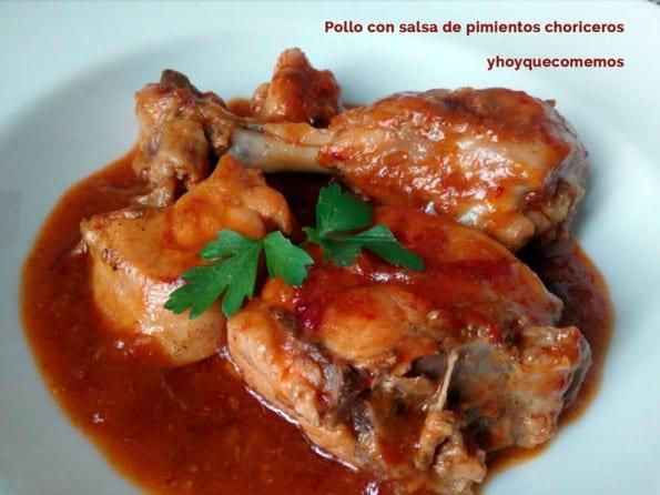 pollo en salsa de pimientos choriceros