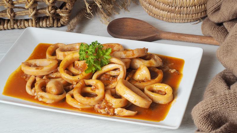 como hacer calamares en salsa rapida