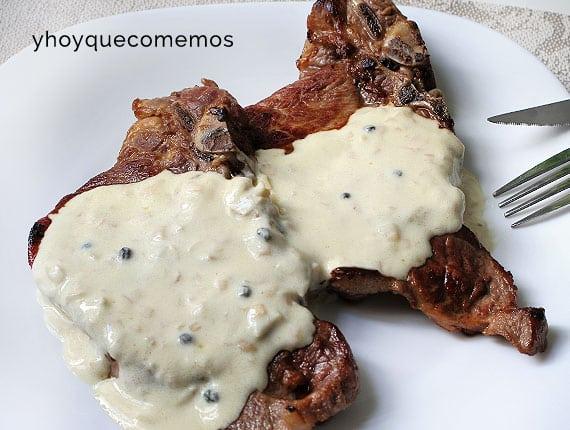 Chuletas De Cerdo Con Salsa De Pimienta Verde Y Hoy Que Comemos