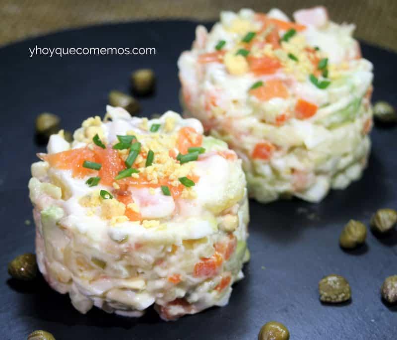 Ensaladilla de salm n recetas y postres y hoy qu comemos - Aperitivos de salmon ahumado ...