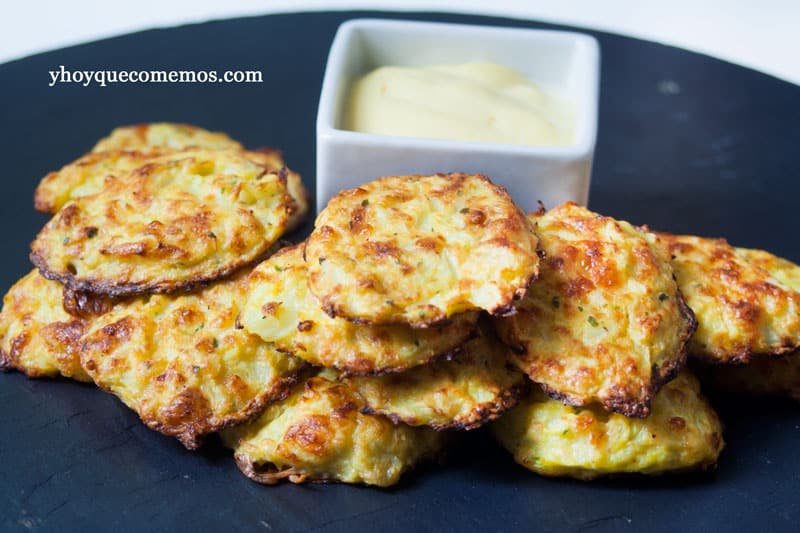 pasteles de coliflor y queso