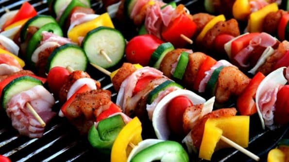 Discover how to make the best barbecue for your guests