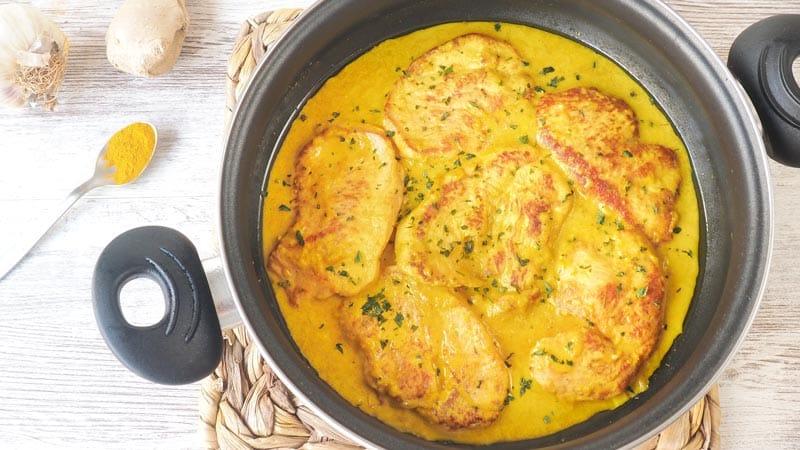 receta de filetes de pavo con salsa de curry y nata