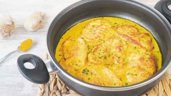 filetes de pavo con salsa de curry