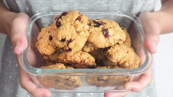 como se hacen las galletas de arandanos y chocolate blanco caseras o cookies