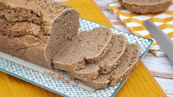 como se hace el pan casero de harina de espelta y semillas con pipas