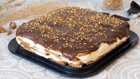 tarta de galletas tradicional o tarta de la abuela