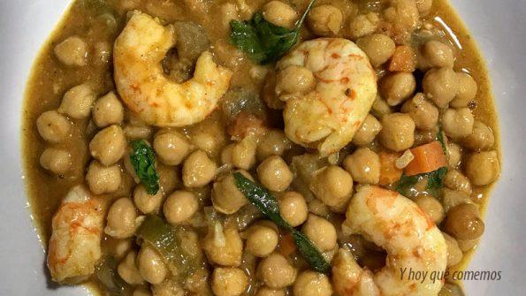 curry de garbanzos con langostinos
