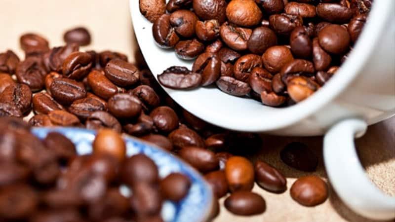 Ventajas de las cafeteras de café en grano frente a las de cápsulas