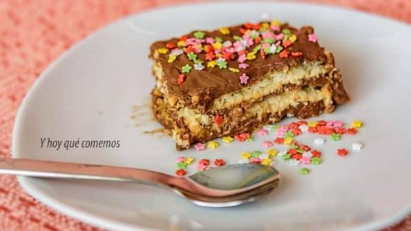 dulce tarta de galletas y chocolate muy rápida para cumpleaños