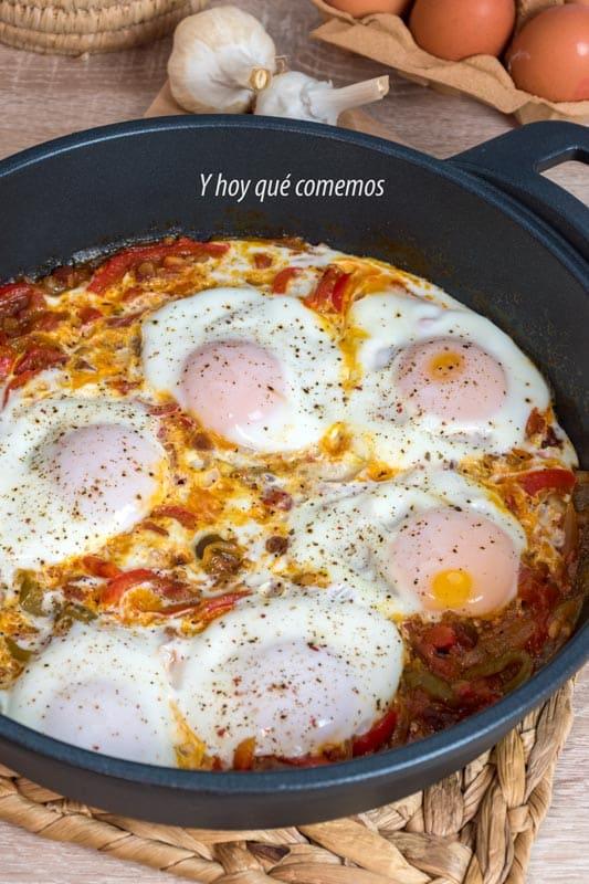 huevos al chilindrón un plato sencillo y unico