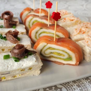 como hacer entrantes y aperitivos con pan de molde para navidad